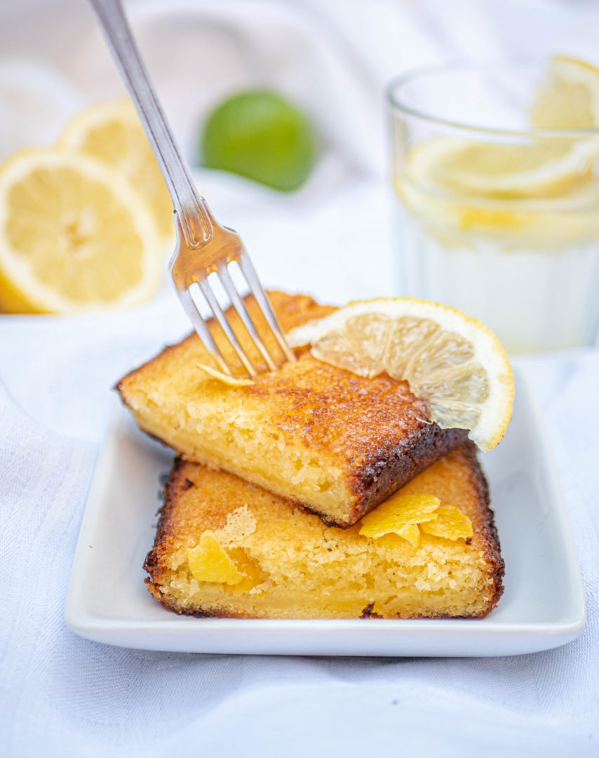 A gluten free lemon cake, so easy to do and very tasty? It's right here !