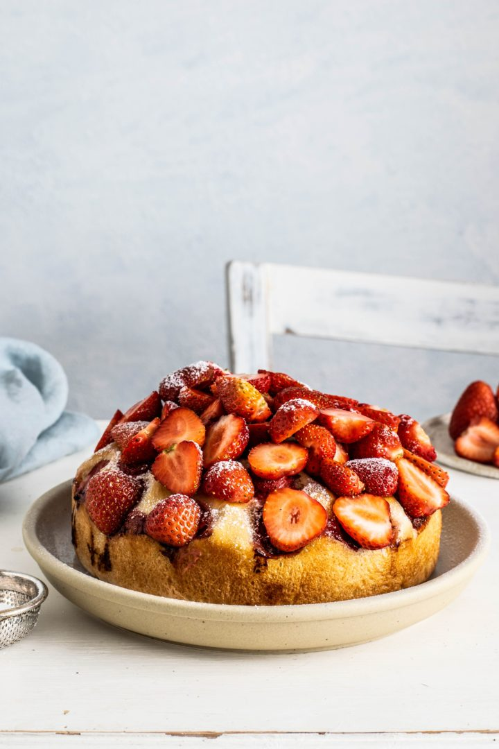 Gluten free yogurt cake with strawberry!